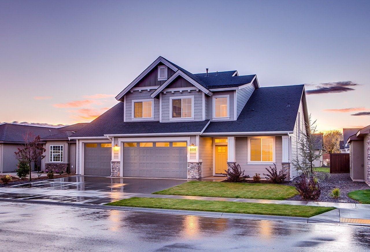 Economii sau imprumut pentru a-ti construi casa?