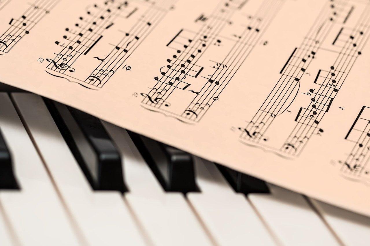 De ce sunt recomandate cursurile de pian pentru copii?